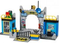 LEGO Juniors Defend the Batcave